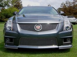 Cadillac CTS-V wagon frontal view by Partywave