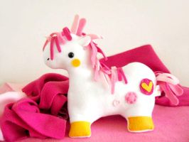 Duncan the Pink Pony by casscc