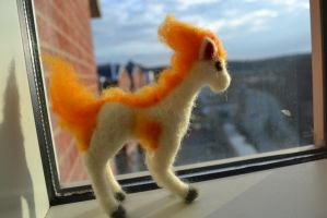 Needle Felted Ponyta by feltieflaffy