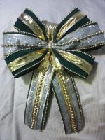 holiday bow by Twisted462