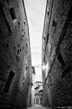 Lost in the old town. by MarioGuti