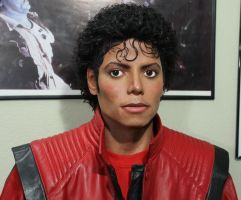 Michael Jackson lifesize Thriller statue by godaiking