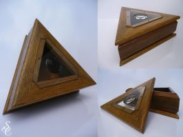 Triangular Box by CoolingGiant