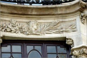 Barcelona, Republic's allegory with mural crown by dlink97