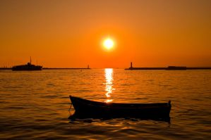 Sunset in Istanbul by mbsinar