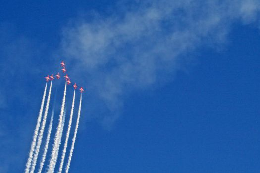 red arrows 3 by psyren-13