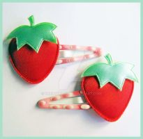 Strawberry Snap Clips by cherryboop