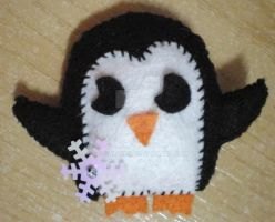 Cute penguin brooch by 402ShionS3