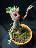 Baby Groot (side) by Quiscula