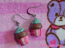 Choco Mint Cupcake Earrings by kimistarrphotography