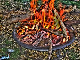 Firepit -HDR- by tripptaylor