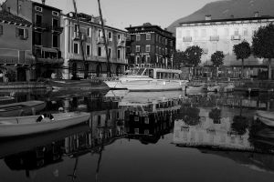 black and white garda lake by NoWar97
