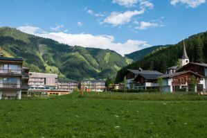 4 nights at austria 092 by picmonster