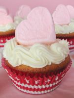 Strawberry Heart Cupcakes 02 by SkuttyWan