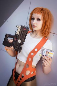 Leeloo fifth element cosplay by Mirakan