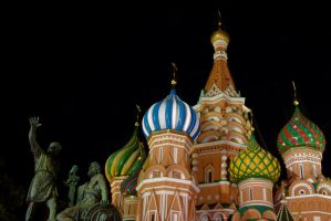 St. Basil's at Night by El-Oso-Es-Peligroso