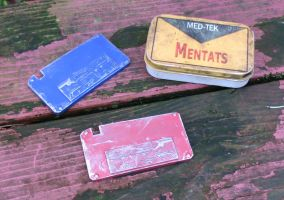 Fallout red and blue keycards by emptysamurai