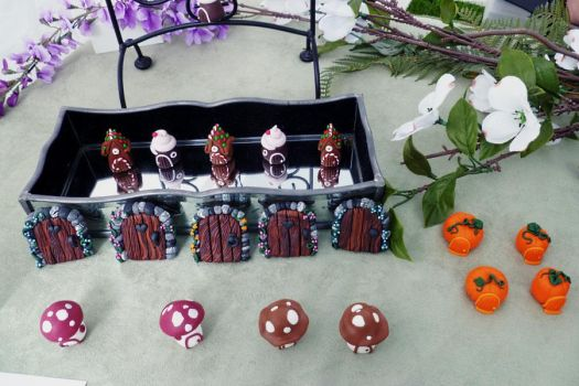 Dexter Daze 2012 Mini Fairy Doors and Houses by FlyingFrogCreations