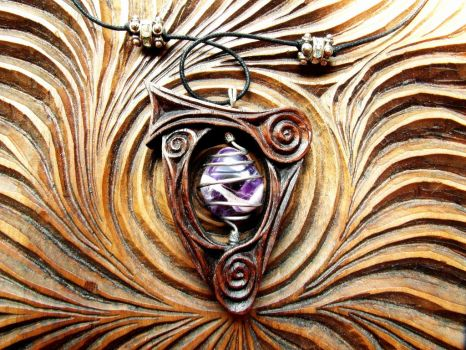 HARP PENDANT WITH AMETHYST by MassoGeppetto