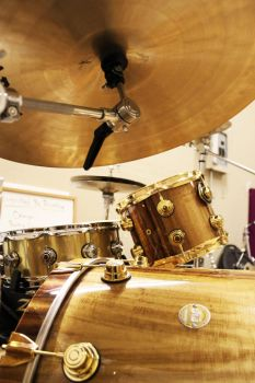 Lindsey's Koa Maple DW Drums by Sirius-Drifter