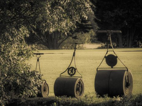 Cricket pitch grass rollers by Telutamakaria