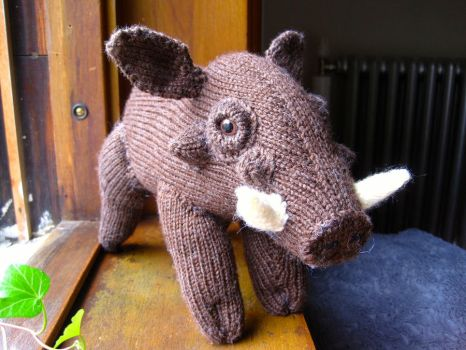 Knitted Warthog by sentienttree