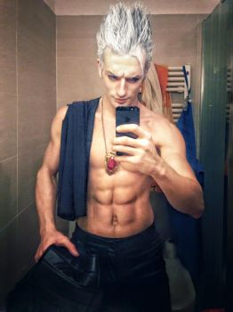Chill Out time after Cartoomics Milan - Vergil DMC by LeonChiroCosplayArt