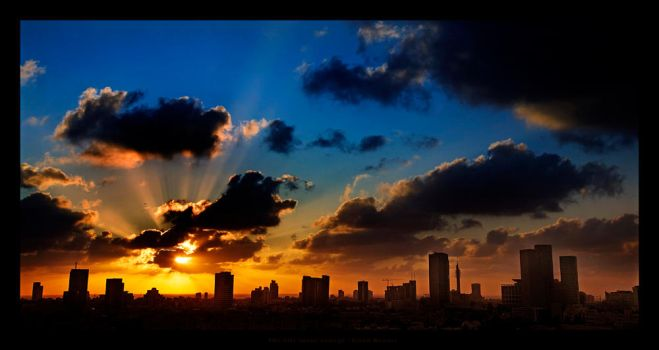 The city turns Orange by gilad