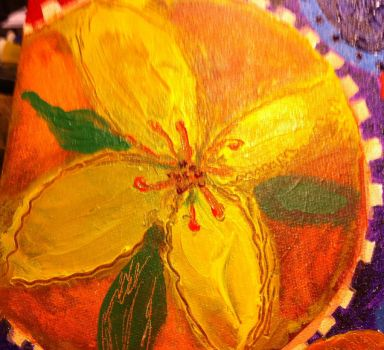 Detail-NET-Yellow Lilly by patty-space