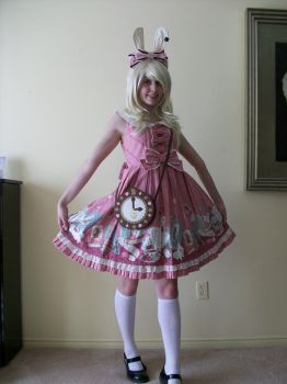 Sweet Alice by lolacolabunny