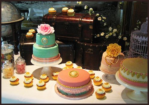 Vintage Cake Table by Naera