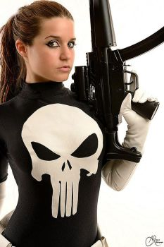 Punisher Marvel Cosplay by joulii91