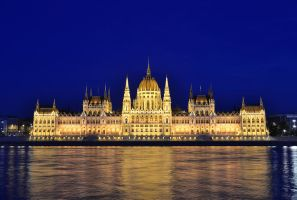 Hungarian Parliament Building by kalmarn