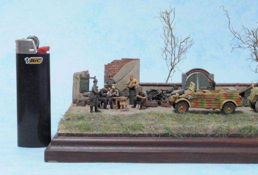 SdKFz 251 and Kubelwagen 1:72 (3) by Low688