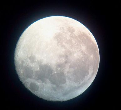 First Moon Shot via Android by Rasa13