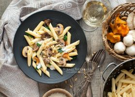 Full grain pasta with sauce of cream and mushrooms by MirageGourmand