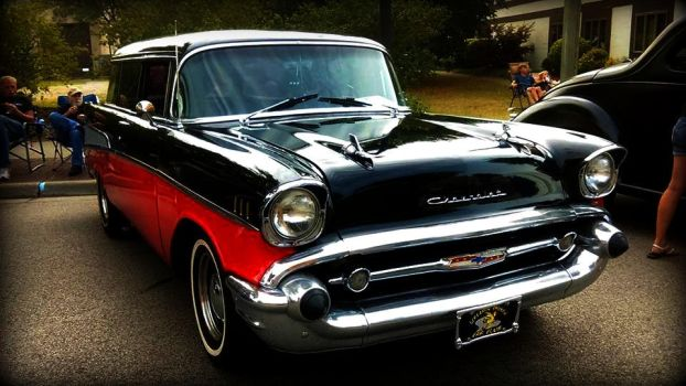 4 door 57 chevy by Foreigner227
