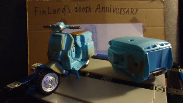 Little blue scooter and his trailer by DoctorVK