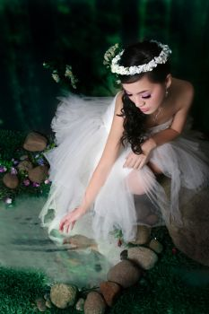 ForestFairy playing with water by angelcurioso